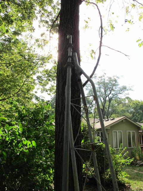 Surplus Tower and antennas - SouthSide Amateur Radio Club